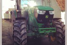 Tractors / Tractors