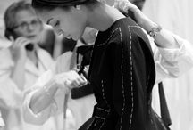 BEHIND-THE-SCENES AT A RUNWAY SHOW / We show you what goes on behind-the-scenes at a runway fashion show
