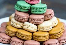 Macaron / Découvrez notre gamme de macarons. Des créations gourmandes par Philippe Urraca meilleur ouvrier de france. Des pâtisseries traditionnelles française pour un compléter un dessert ou réaliser un café gourmand. Plusieurs saveurs à découvrir.