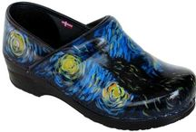 I want these Dansko shoes! / Dansko shoes...and nothing but Dansko shoes.