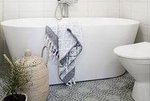 Bathroom / by La petite fabrique de rêves