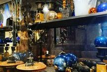 Accessories / Objet d'art, trinkets and smaller items that add warmth to any home.
