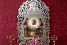 Mirrors / Rich and elaborate or fine and understated mirrors.