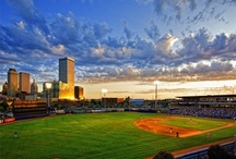 To-Do in Tulsa / Tulsa is ripe with activities for all ages! Here you will find a collection of Tulsa area events, festivals, entertainment districts, music venues and much more! | Tulsa, Oklahoma