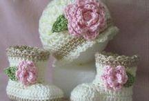 Tejidos para bebe y niños / En crochet, tricot o dos agujas, sacos, vestidos, colchas, patines, bellos detalles
