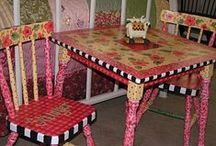 Painted Furniture / by Margo Wallen