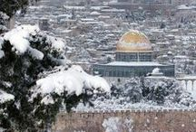 Snow in the Holy Land / Temporary board showing a rare event - 15-30 inches of snow fell on the Holy Land Dec. 14, 2013