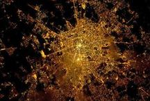 Cities At Night Maps / Discover cities by their lights. #Constellatio
