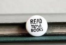 Books  / Títulos de libros que son interesantes, curiosos y que valen la pena leer :3 / by Inés Morales Flores