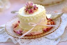 % Cakes & Cupcakes %