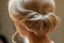 Well-(hair)Dressed Hostess / Oltre all'abbigliamento, ogni hostess che si rispetti deve curare anche trucco e parrucco!