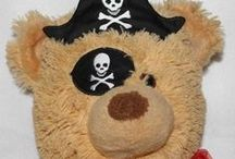 Machine Embroidery ITH Pirat patch and hats / http://www.spookiestreasures.com/products/ith-pirate-hat-patch-5x7-6x8
