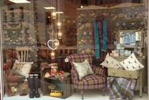 Charity, Thrift & Second Hand Shops Window Display Ideas / Who said charity shop have to look shabby?
