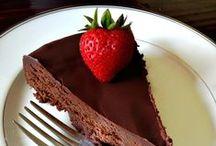 Sweet Tooth / Desserts, Baking / by Tiernan Cutler
