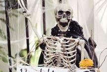 Quirky Halloween Wedding Ideas