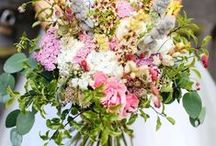 Alternative Wedding Flowers / Alternative and quirky wedding flower inspiration from No Ordinary Wedding. For couple who want something a bit different.