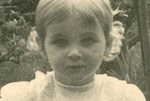 Princess Johanna of Hesse and by Rhen / Born: September 20 1936 Died: June 14 1939, age 2,5 years    Only daughter of Hereditary Georg Donatus of Hessen-Darmstadt & his wife, Princess Cecilie of Grecce & Denmark. Niece of Prince Philip of Edinburgh.   Adopted daughter of Prince Louis of Hesse-Darmstadt & his wife, Margaret  Gibbes