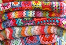 Crochet Blankets / by Les broderies de Sophie