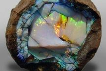 Minerals, rocks, metals / Amazing things out of the earth