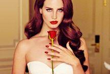 LANA DEL REY / her voice, her personality, her bliss degenerated beauty queen look