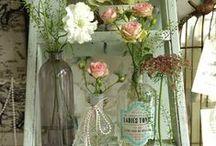 Vintage Decorating / Vintage decorating, vintage signs, vintage design, vintage home decorating, wooden signs, vintage wooden signs