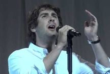 Sing to me, Josh! / Songs and videos of Josh Groban.  Just gorgeous.