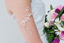 Bracelet de haut bras mariage, bracelet original mariée / Idées et photos de mariées avec beaux bracelets de bras, bracelet de bras ou d'avant-bras, bracelet manche, long bracelet mariage. wire and metal jewelry - bride jewelry - wire marriage armlet bracelet -