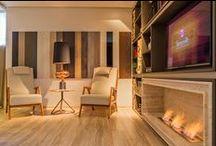 Ideias para salas e home theater / Espaços aconchegantes para assistir TV e curtir a família.
