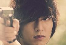 """CITY HUNTER 2011 KDrama / The story takes place in Seoul, 2011. Lee Yoon Sung is a talented MIT-graduate who works on the international communications team in the Blue House. He plans revenge on five politicians who caused his father's death with his surrogate father Lee Jin Pyo and eventually becomes a """"City Hunter.""""  Lee Min Ho as Lee Yoon Sung"""