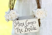 Here comes the bride! / All about the bride.