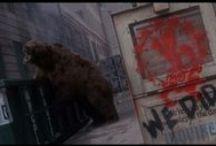 12 MonkeYs / Sin duda alguna una de las mejores películas de ciencia ficción y con un sountrack al mismo nivel http://www.youtube.com/watch?v=CNOzVkvRU1w