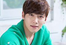 Ji Chang Wook / Name: Ji Chang-Wook Hangul: 지창욱 Born: July 5, 1987 Birthplace: South Korea Height: 180 cm.