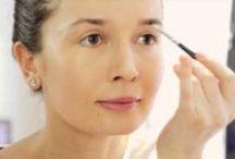 Beauty Vlogs / Afla tot ce ai nevoie sa stii despre makeup-ul care ti se potriveste. Frumusetea se invata. Pas cu pas, zi de zi, cat ai spune: makeup!