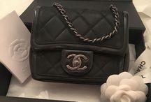 Designer handbag / tribute to eyes catching handbag