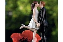 Cake Topper / tiny sculptures above the wedding cake