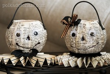 HALLOWEEN love / by Andrea Seligman