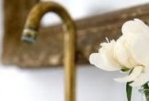 Bathrooms / by Elysia Moccia