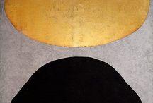 Color: Black & Gold