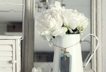 Shabby Chic Decor / Find the best inspiration and ideas for a warm and cosy shabby chic home decoration / by HomeByMe