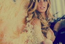 Victoria's Secret models-Angels