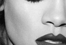 Rihanna / Singers