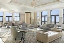 Hôtel de luxe / L'hôtel Le Marseillais est situé dans le quartier du vieux port de Marseille. Entrez dans un monde de luxe, au décor élégant et subtil. Laissez-vous surprendre par un service chaleureux, d'une qualité́ rare et exceptionnelle. Cet hôtel Waldorf Astoria est destiné pour vous recevoir et vous faire rêver.