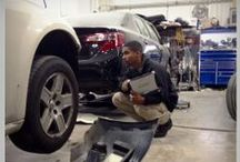 Auto Damage Adjuster Careers  / Not looking for a desk job? Read on.  Auto Damage Adjusters directly interact with customers and deliver on our promise to provide exceptional customer service. In this role, you may visit auto repair shops, customers' homes and even accident scenes.  / by GEICO Careers