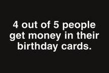 Shoebox wenskaarten / Wenskaarten met humor! Ken je iemand die schuine grappen wel waardeert? Dan is een grappige wenskaart uit de Shoebox collectie perfecte post. Laat de ontvanger lachen bij het openen van de envelop met de grappen uit de Shoebox-collectie van Hallmark Cards.