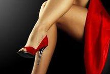 Vermelho / De  Afrodite ela é a cor. Rege Áries e Escorpião. Cor do fogo e do sangue. Vermelho Paixão