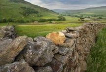 Stone Walls / The simple beauty of stone is well matched with the design of a careful hand.