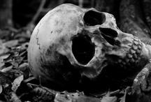 Dark/macabre