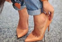 Lovely heels.. Lovely look!! <3 / Must have: classic pump + a good pair of jeans and your done!