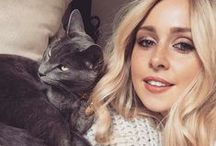 As Seen On - Celebrity's Cats / A list kitties and their celebrity owners