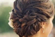 Hair, Nails & Makeup / by Anna Pereira